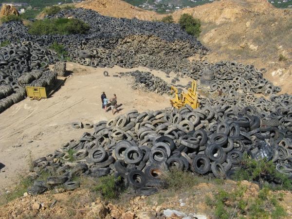 The Tires of St. Thomas, USVI